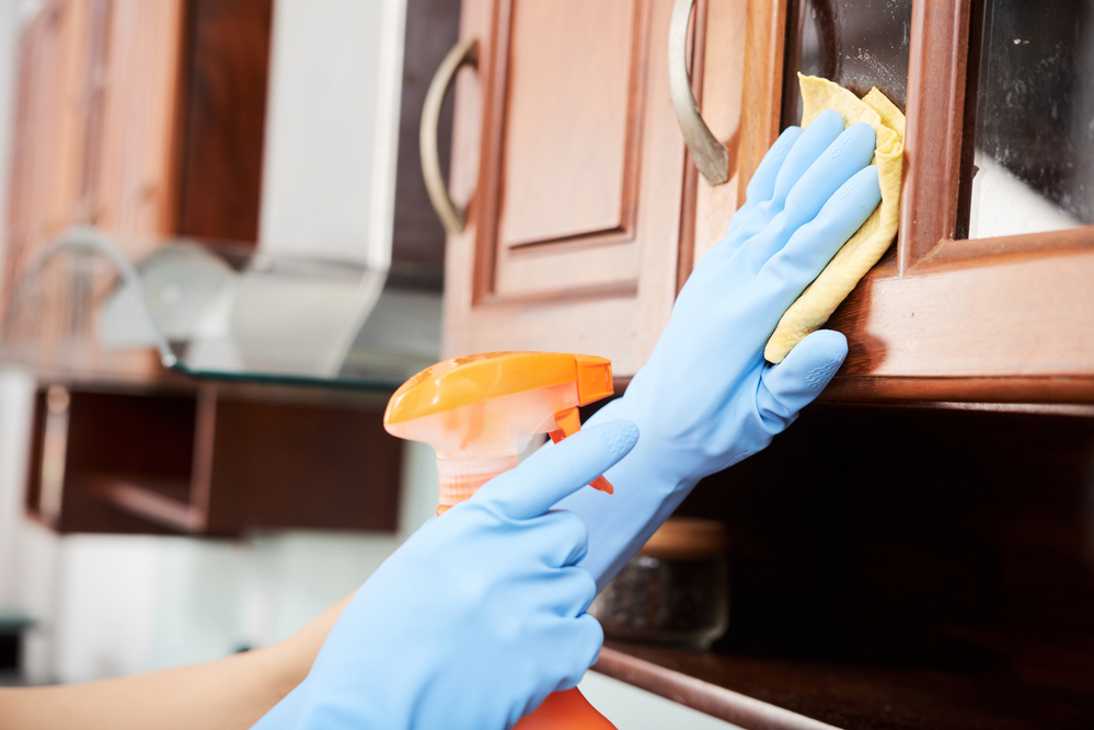 importance cleaning cabinet doors